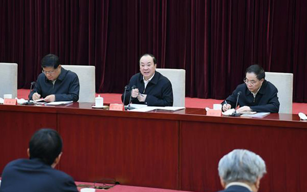 Huang Kunming: Studying, implementing Xi thought high priority for Party theoretical work