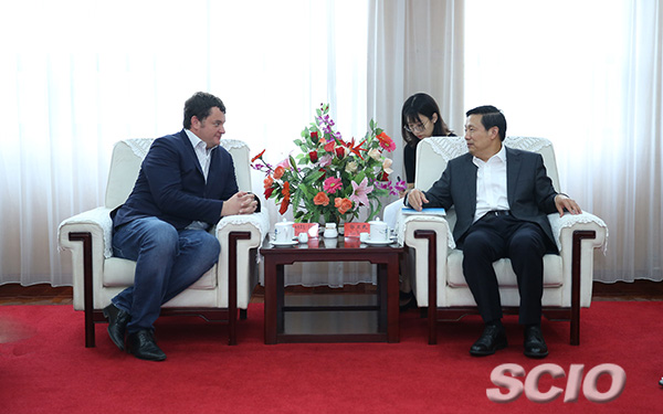 Guo Weimin meets with vice president of CNBC