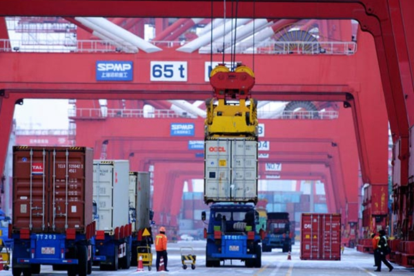 Trade worries weigh on foreign businesses